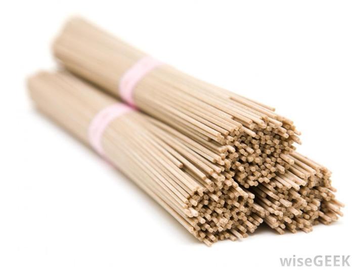 bundles-of-uncooked-soba-noodles