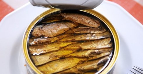 Canned-Smoked-sprats-in-oil